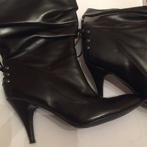 Shoes - Guess Black Slouchy Boots (Size 8)